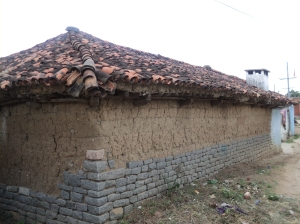 Telangana1-A typical Medak house with cob walls over 3' granite stone walls
