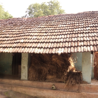 Od5_Lean to verandahs with Mangalore tile roofs